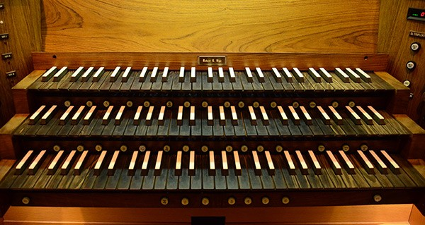 Deb-Assembly-Hall-Organ-Console.jpg