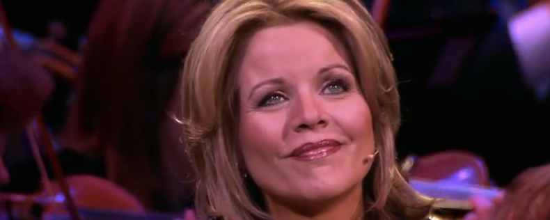 What_Child_Is_This__-_Renée_Fleming_and_the_Mormon_Tabernacle_Choir_-_YouTube-2.png