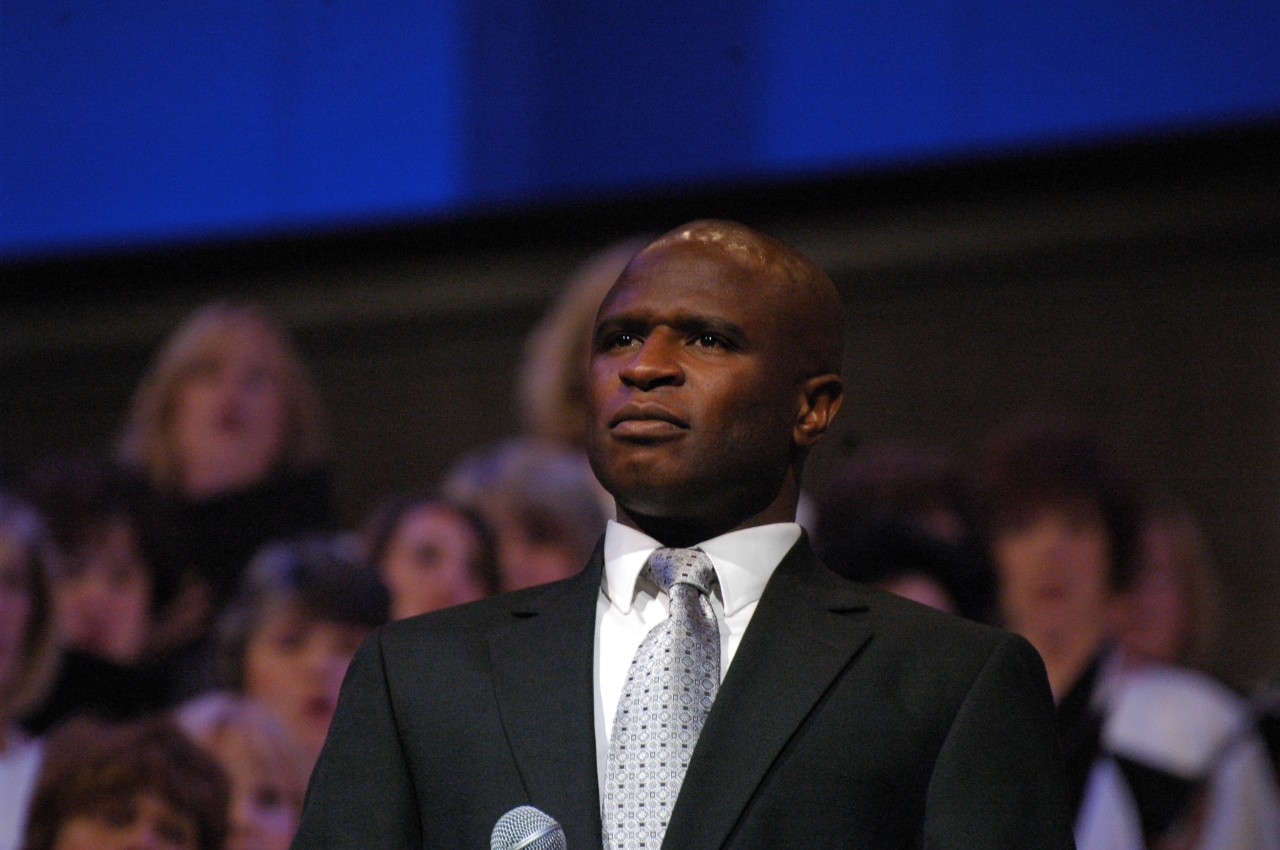 Alex Boye Choir.jpg