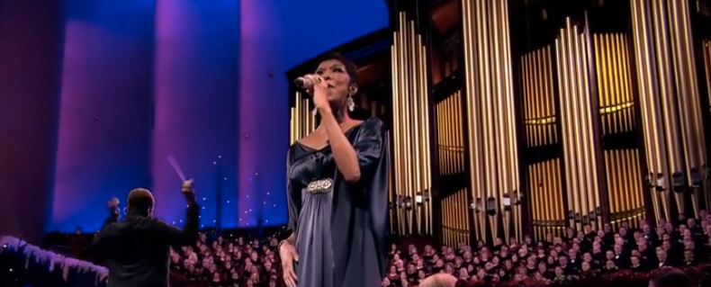 Hark__The_Herald_Angels_Sing_-_Natalie_Cole_and_the_Mormon_Tabernacle_Choir_-_YouTube-2.png
