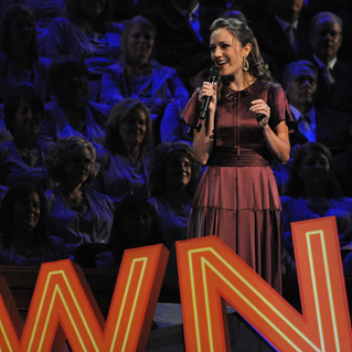 Laura osnes at pioneer day concert