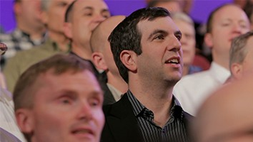 "AJ Jacobs sings ""I Think the World is Glorious"" with the Mormon Tabernacle Choir"