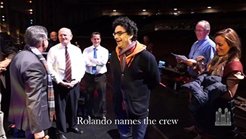 Behind-the-Scenes: Rolando Villazón Hams it Up During Rehearsal
